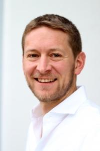 Dr. Matthias Ballweg